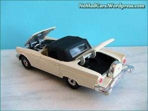 Ford Thunderbird 1957 softtop Corgi 03