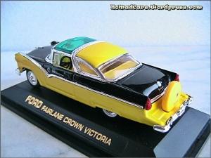 Ford Fairlane Crown Victoria 1955 pic09